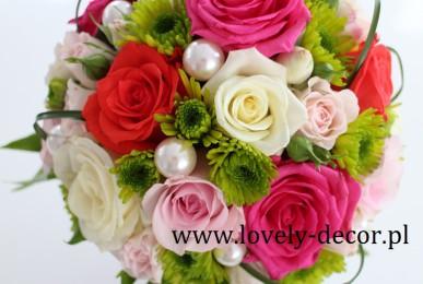 bukiet ślubny z perełkami