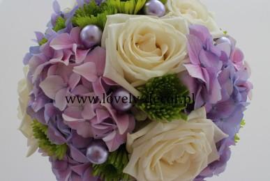 bukiet ślubny z hortensji i róży